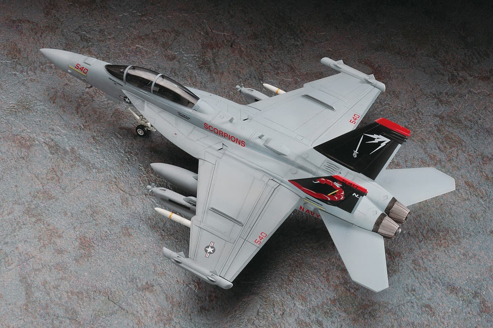 Hasegawa F18